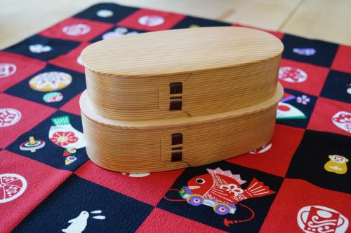 Two-level bento box